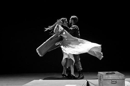 """ΘέατροTempusVerum-Εν Αθήναις: """"Για την Ελένη"""" σε σκηνοθεσία Μάνου Καρατζογιάννη"""